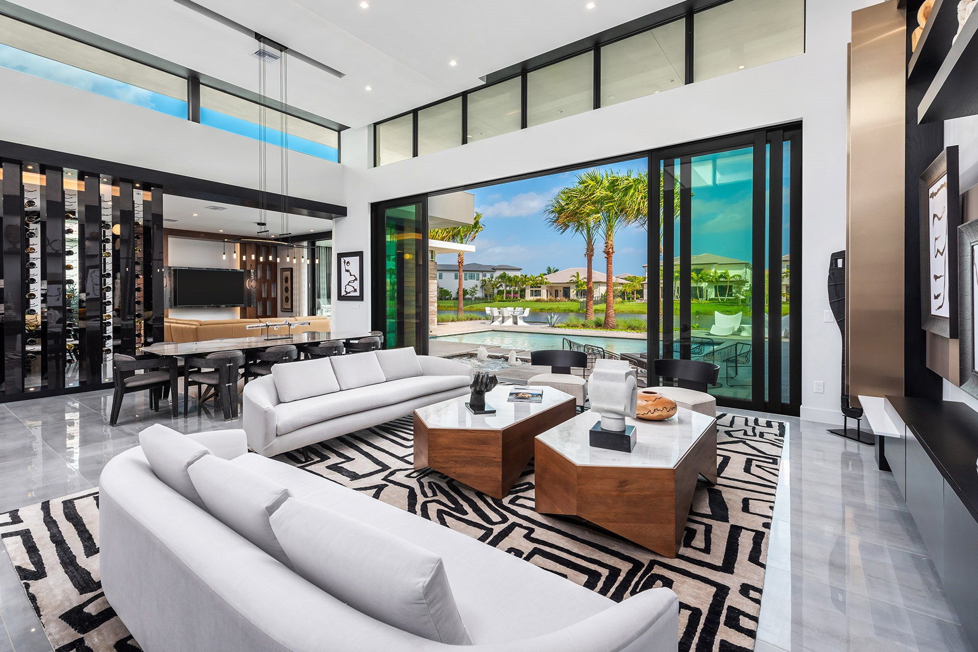 OPEN-CONCEPT LIVING