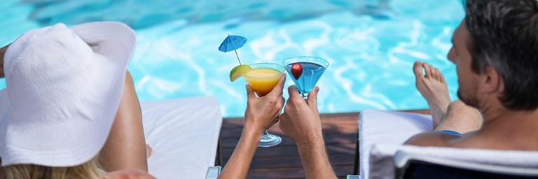 Valencia Cay Poolside Drinks